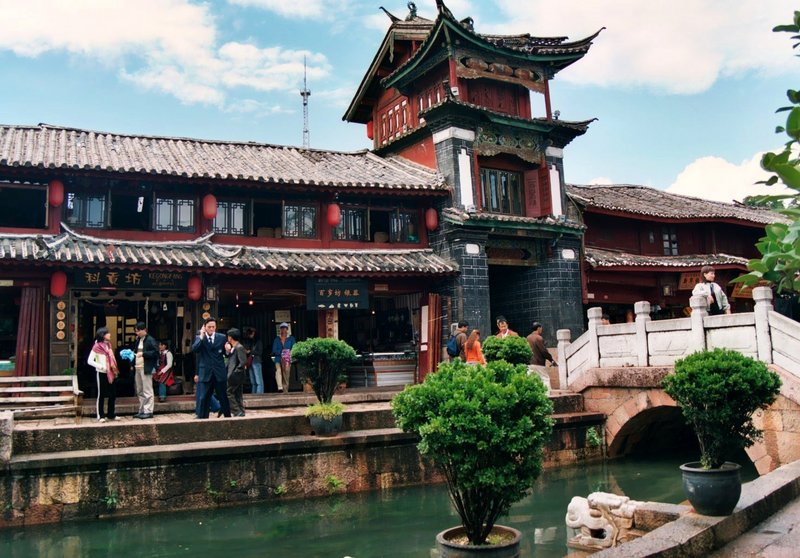 Canals linking the Lijiang Old Town