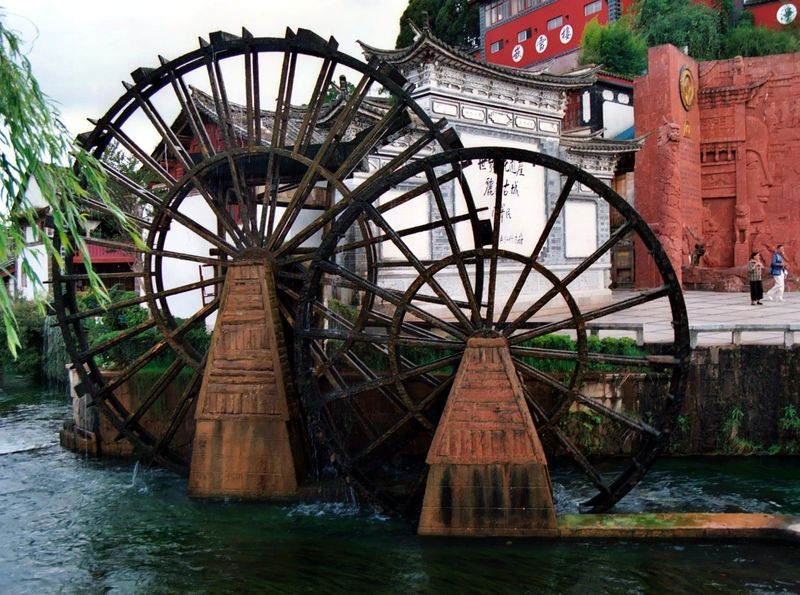 Water Wheels at the old town
