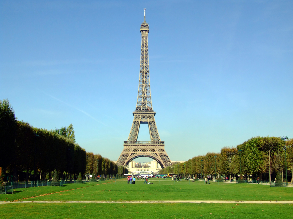 Full view of the Eiffel Tower from the Champ de Mar